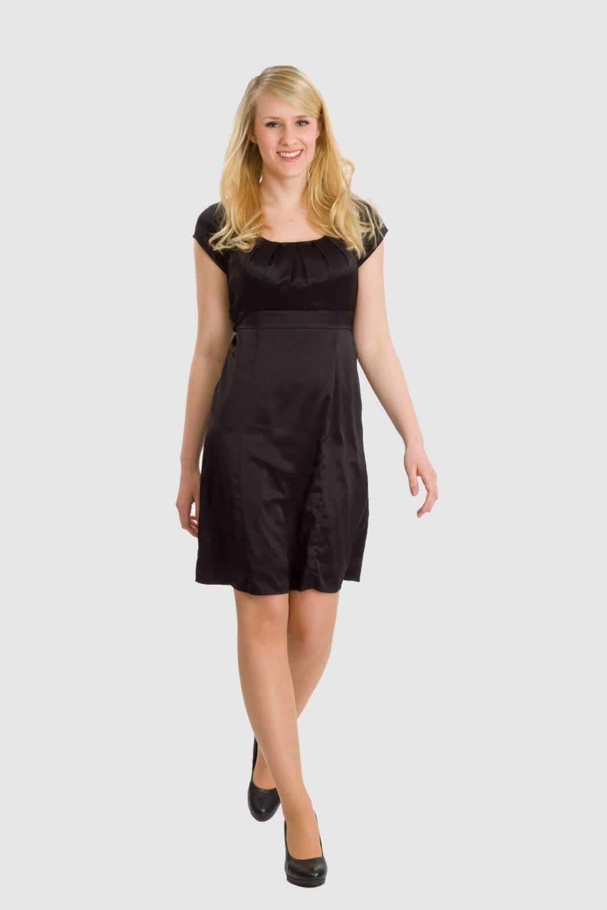 Esprit schwarzes Kleid mit kurzen Ärmeln