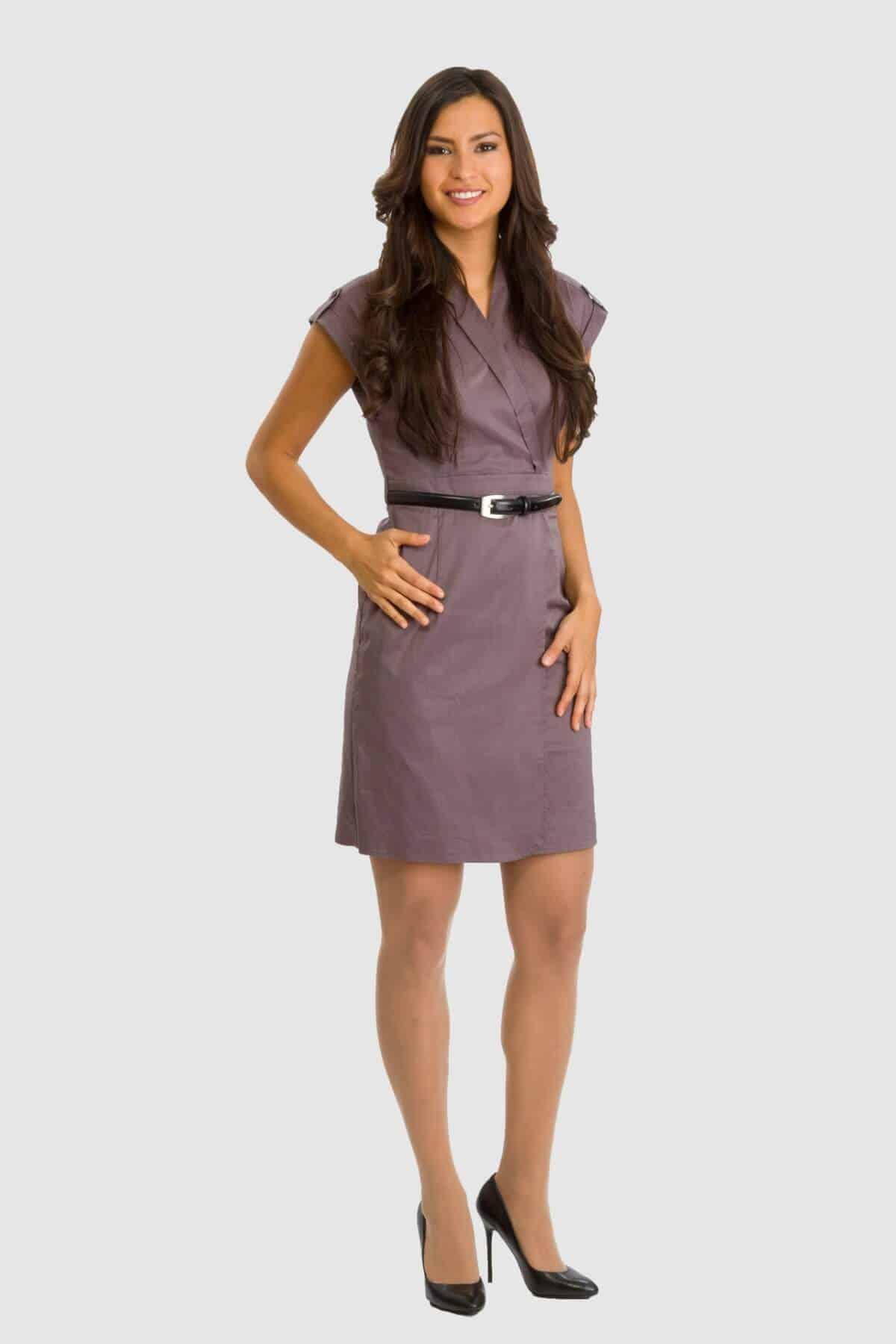 Esprit auberginefarbenes Kleid mit Gürtel